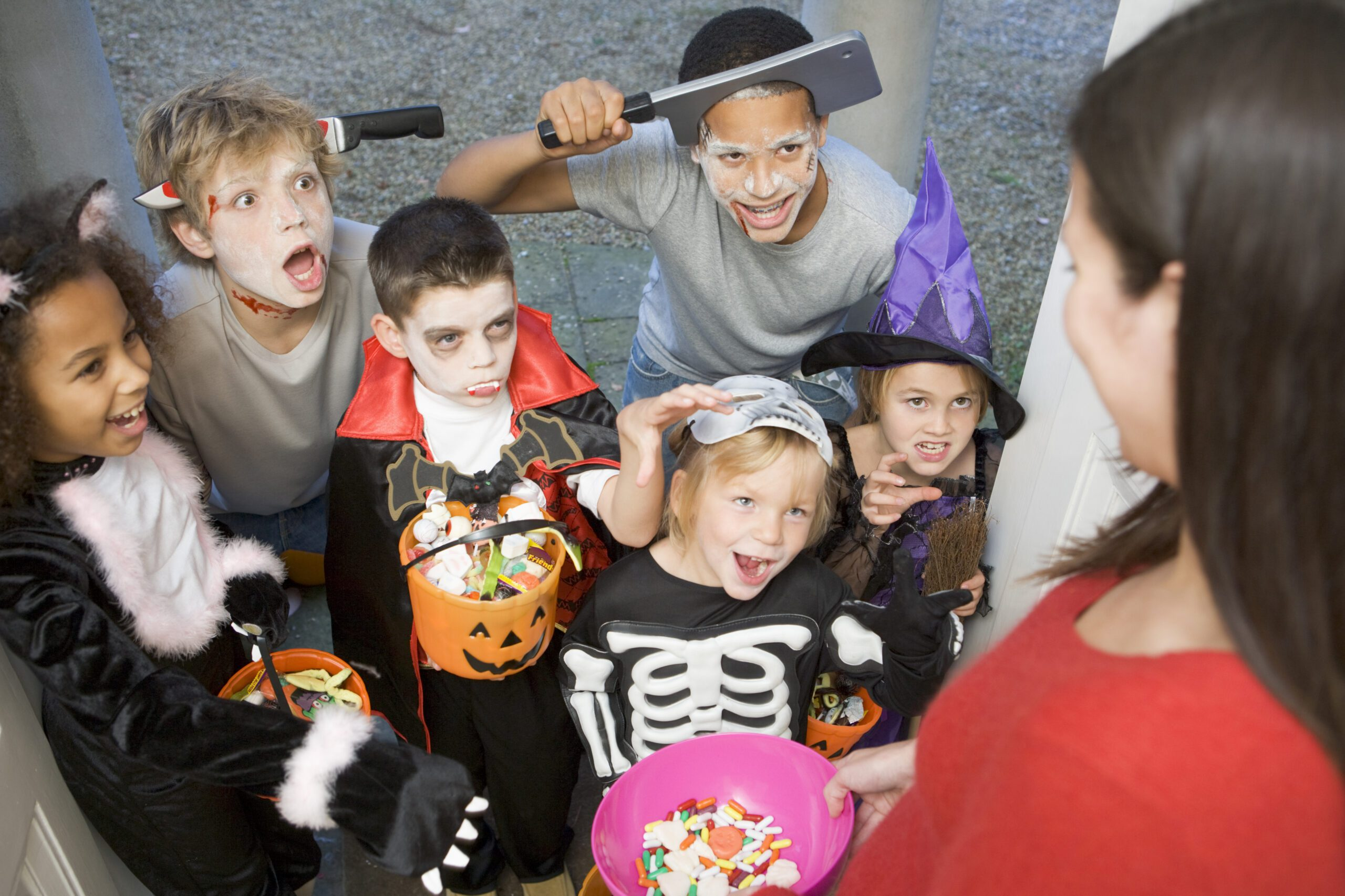 Kids dressed up trick or treating